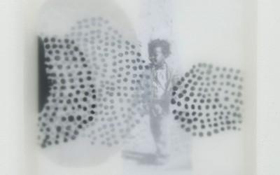 01 Schattenlicht (Kinder), 2011, Acryl, Collage, Wachs auf Holz, 35 x 35 cm