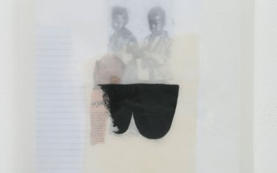 02 Schattenlicht (Kinder), 2011, Acryl, Collage, Wachs auf Holz, 35 x 35 cm