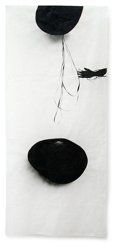 19 traces humaines, 2013, Acryl, Sprühlack, Wachs auf Japanpapier, 220 x 97 cm